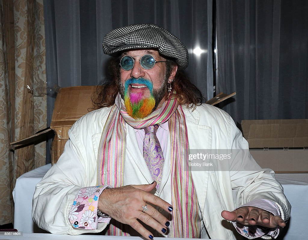 Mark Hudson attends the 35th Anniversary of The Fest For Beatles Fans celebration at the Crowne Plaza Meadowlands on March 27, 2009 in Secaucus, New Jersey.