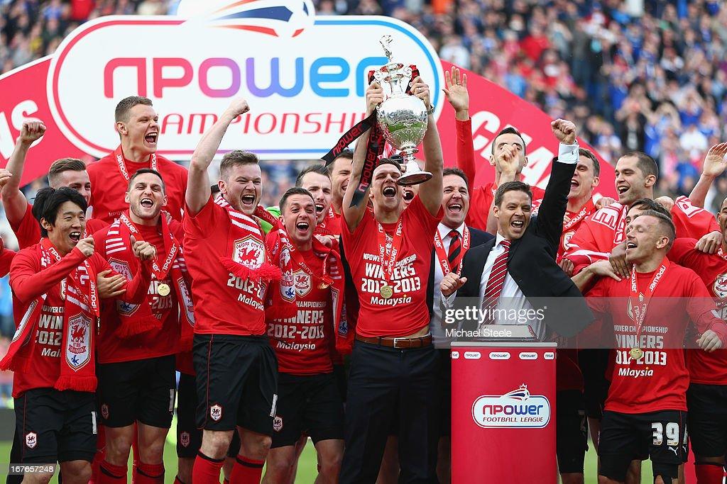 Cardiff City v Bolton Wanderers - npower Championship : News Photo