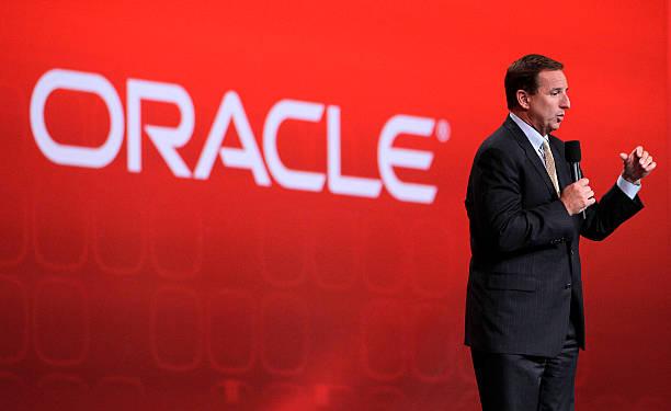 Photos et images de New Oracle President Mark Hurd Addresses