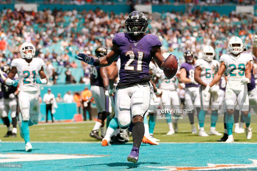 Baltimore Ravens vMiami Dolphins : News Photo