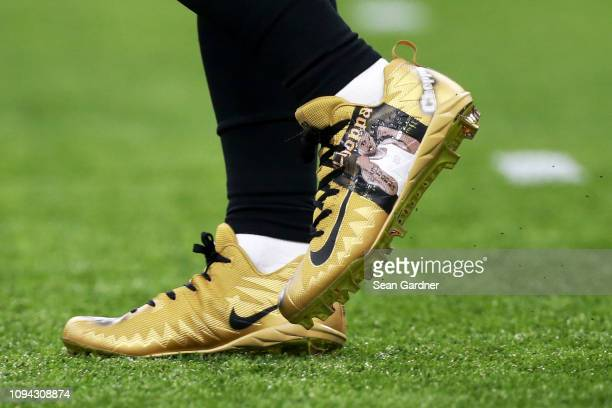 Mark Ingram of the New Orleans Saints wears a pair of custom made Nike  shoes during 483828fc98c