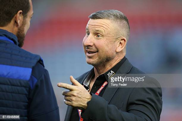 Mark Jones coach of the Jets during the round two ALeague match between the Newcastle Jets and the Brisbane Roar at Hunter Stadium on October 16 2016...