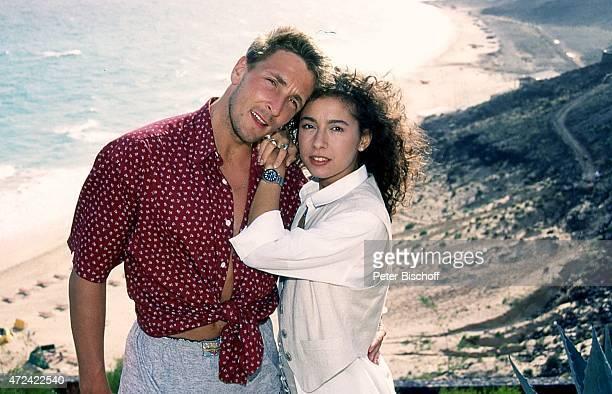 """""""Mark Keller, Maria Ketikidou, ARD-Serie """"""""Sterne des Südens"""""""" am im """"""""Robinson Club"""""""" auf Insel Fuerteventura, Spanien. """""""