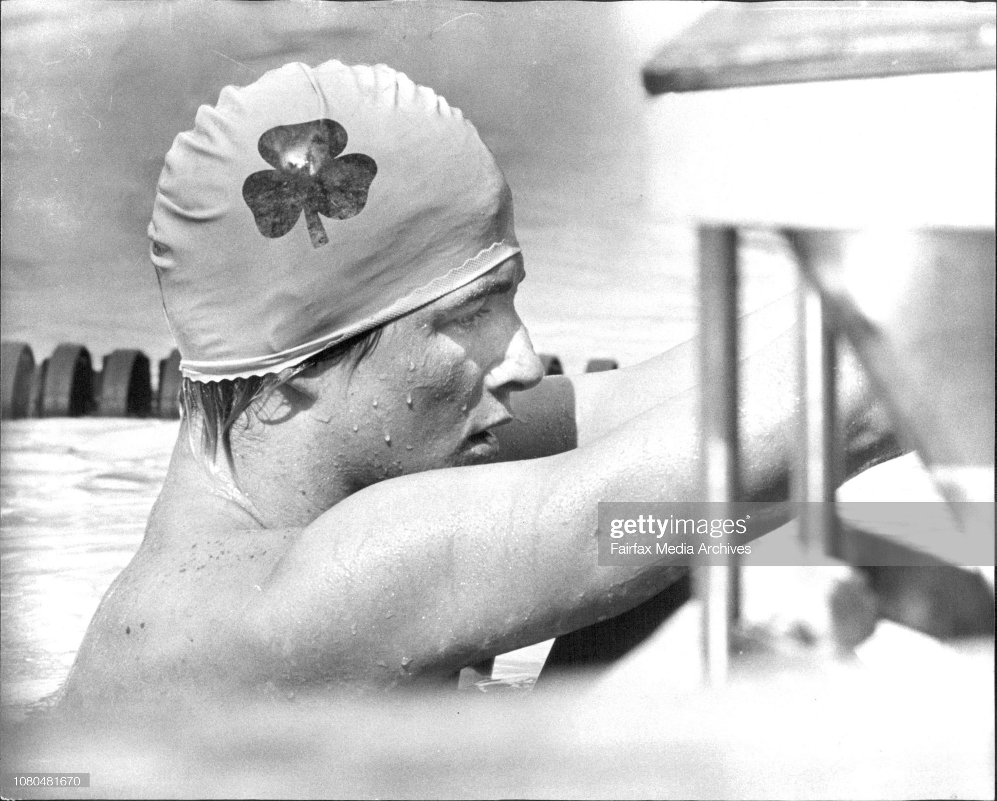 Mark Kerry is a picture of concentration as he prepares for the start of his heat of the 100 meters backstroke. Mark went on to win his heat. : Fotografía de noticias