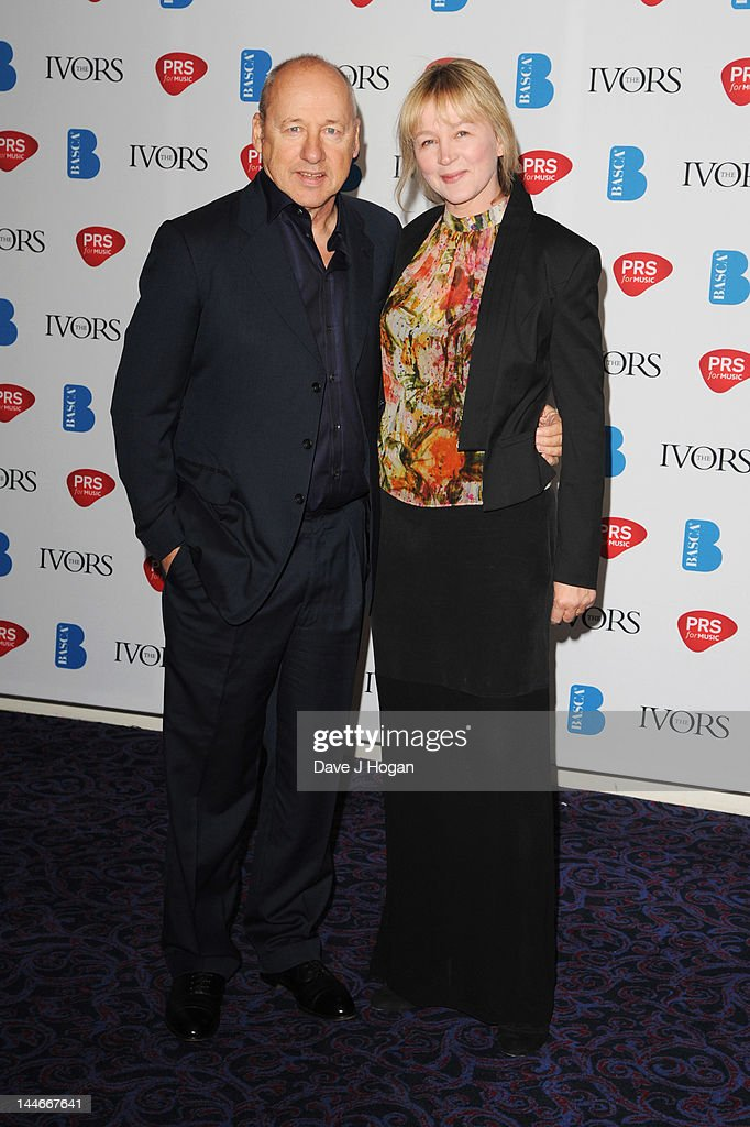 Ivor Novello Awards 2012 - Inside Arrivals : Fotografía de noticias
