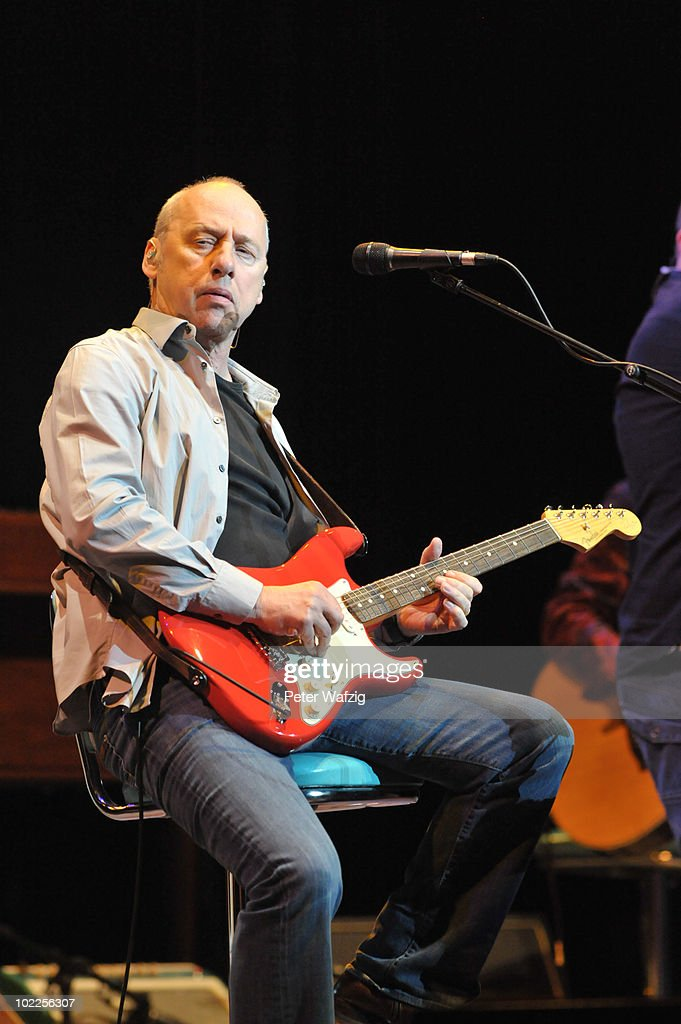 Mark Knopfler In Concert : News Photo