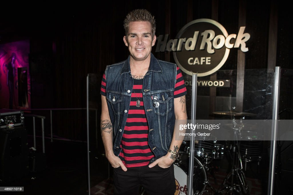 "Mark McGrath ""Sing For Your Supper"" Photo Op"