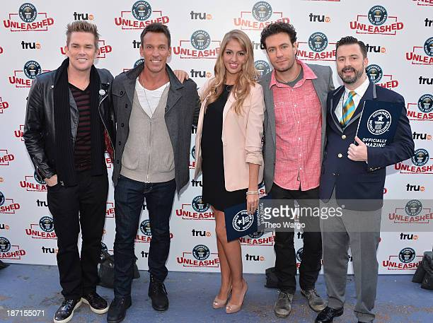 Mark McGrath Dan Cortese Liz Smith Zach Selwyn and Stuart Claxton pose at the Guinness World Records Unleashed Arena in Times Square on November 6...
