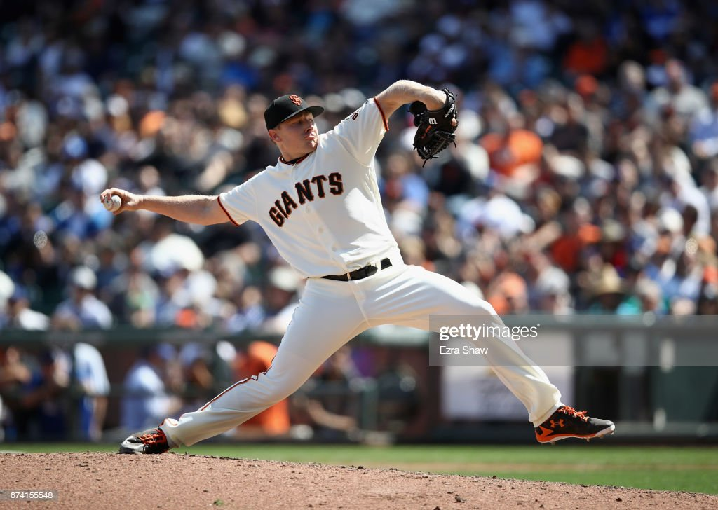Mark Melancon #41 of the San Francisco Giants pitches against the Los Angeles Dodgers in the ninth inning at AT&T Park on April 27, 2017 in San Francisco, California.