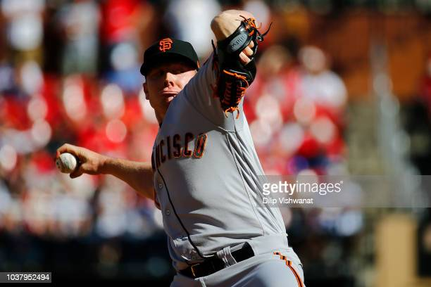 Mark Melancon of the San Francisco Giants pitches against the St Louis Cardinals in the tenth inning at Busch Stadium on September 22 2018 in St...