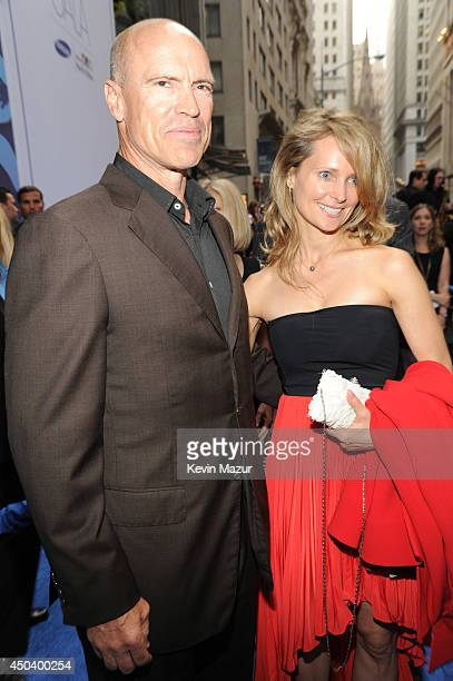 Mark Messier and Kim Clark attend the Samsung Hope For Children Gala 2014 at Cipriani Wall Street on June 10 2014 in New York City