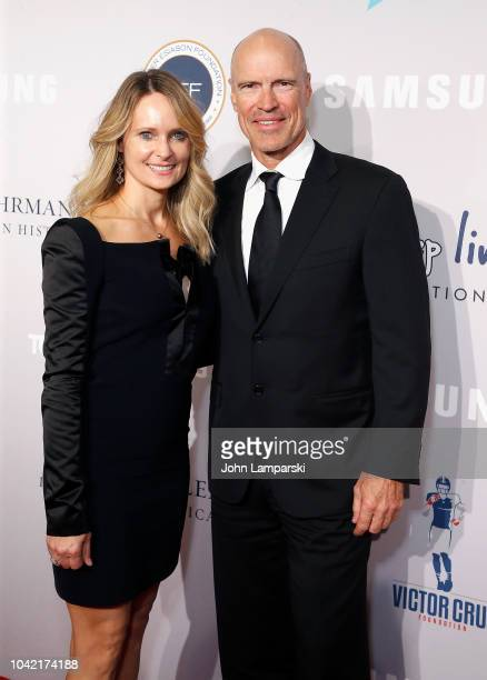 Mark Messier Kim Clark attend 2018 Samsung Charity Gala at The Manhattan Center on September 27 2018 in New York City
