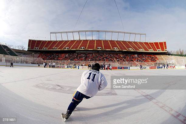 Mark Messier of the Edmonton Oilers alumni skates during practice in preperation for the upcoming Heritage Classic hockey game November 21 2003 in...