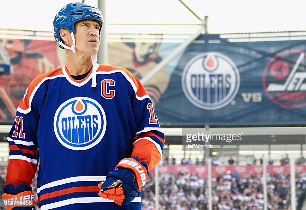Mark Messier of the Edmonton Oilers alumni stands on the blue line during team introductions for the 2016 Tim Hortons NHL Heritage Classic Alumni...