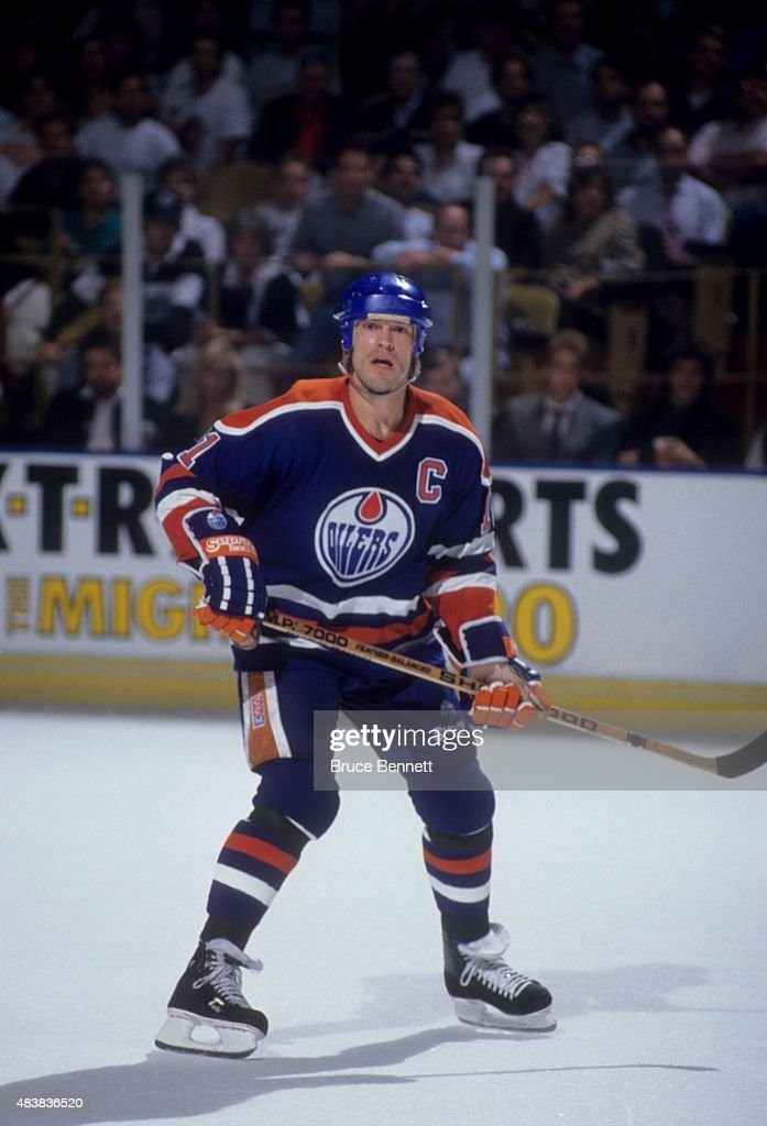 Mark Messier #11 of the Edmonton Oilers skates on the ice during an NHL game against the Los Angeles Kings on October 11, 1990 at the Great Western Forum in Inglewood, California.