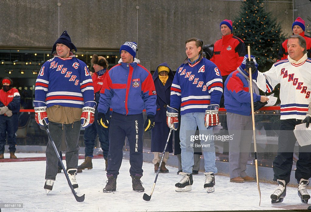 mark messier unidentified person adam graves and former. Black Bedroom Furniture Sets. Home Design Ideas