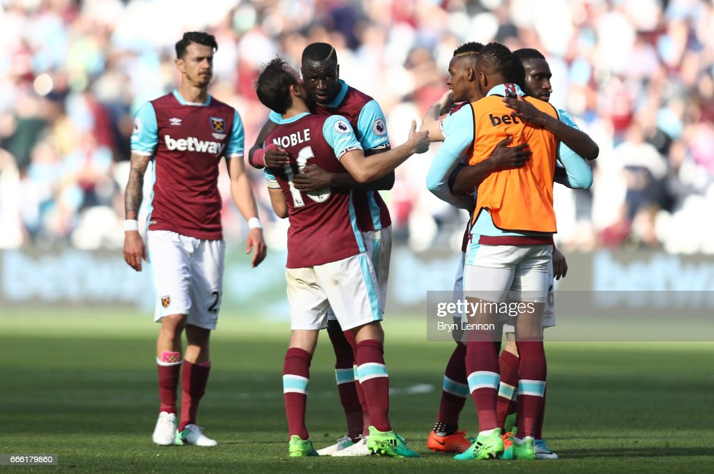 West Ham United v Swansea City - Premier League : News Photo