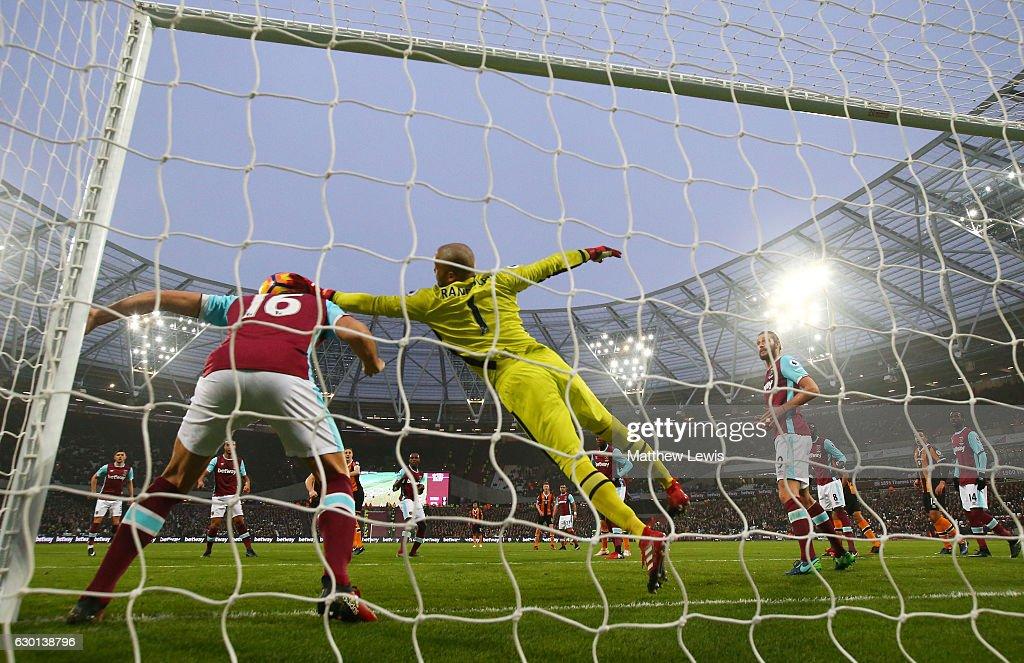 West Ham United v Hull City - Premier League : News Photo