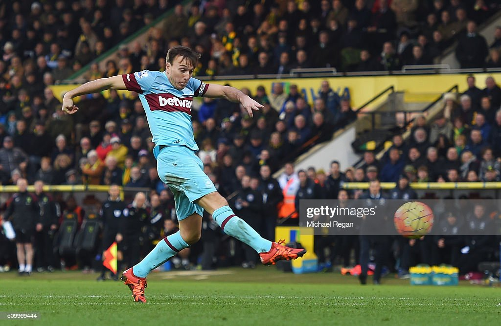 Mark Noble of West Ham United scores his team's second goal during the Barclays Premier League match between Norwich City and West Ham United at Carrow Road on February 13, 2016 in Norwich, England.