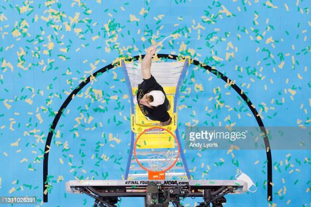 Mark Paterson of the Baylor Bears cuts the net after defeating the Gonzaga Bulldogs 86-70 in the National Championship game of the 2021 NCAA Men's...