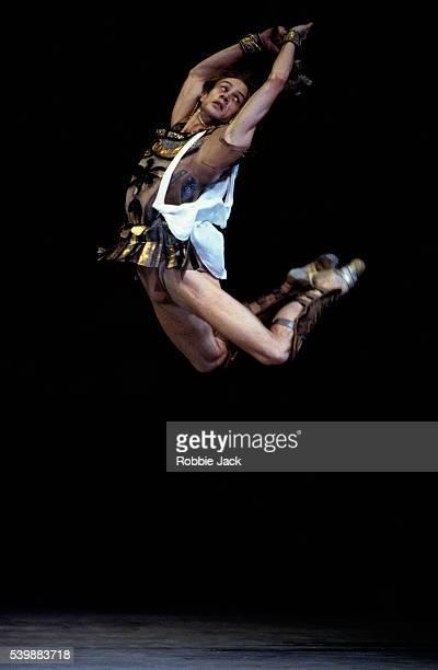 mark peretokine performing in spartacus - robbie jack stockfoto's en -beelden