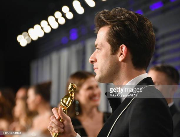 Mark Ronson poses with his Academy Award for Best Original Song during the 2019 Vanity Fair Oscar Party hosted by Radhika Jones at Wallis Annenberg...