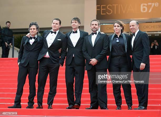 Mark Ruffalo Channing Tatum director Bennett Miller Steve Carell Megan Ellison and Jon Kilik attend the 'Foxcatcher' Premiere at the 67th Annual...