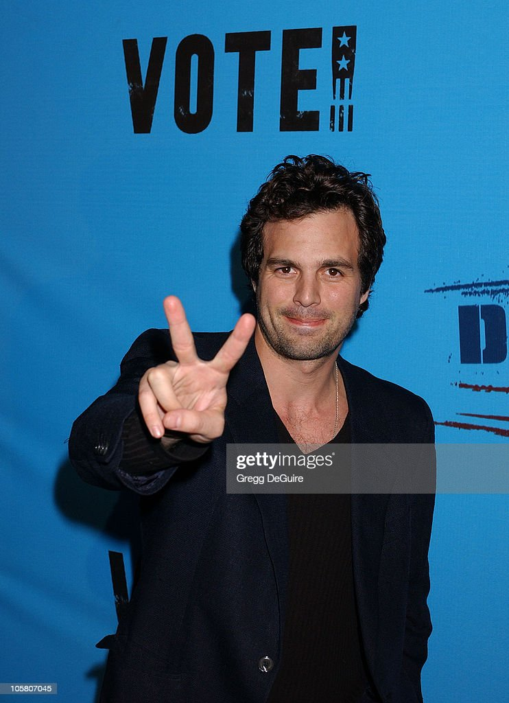 Mark Ruffalo during Celebrities Supporting 'Declare Yourself': A National Nonpartisan, Nonprofit Campaign Inspiring Young Adults To Participate In The 2004 Election at Historic Beverly Hills Post Office in Beverly Hills, California, United States.