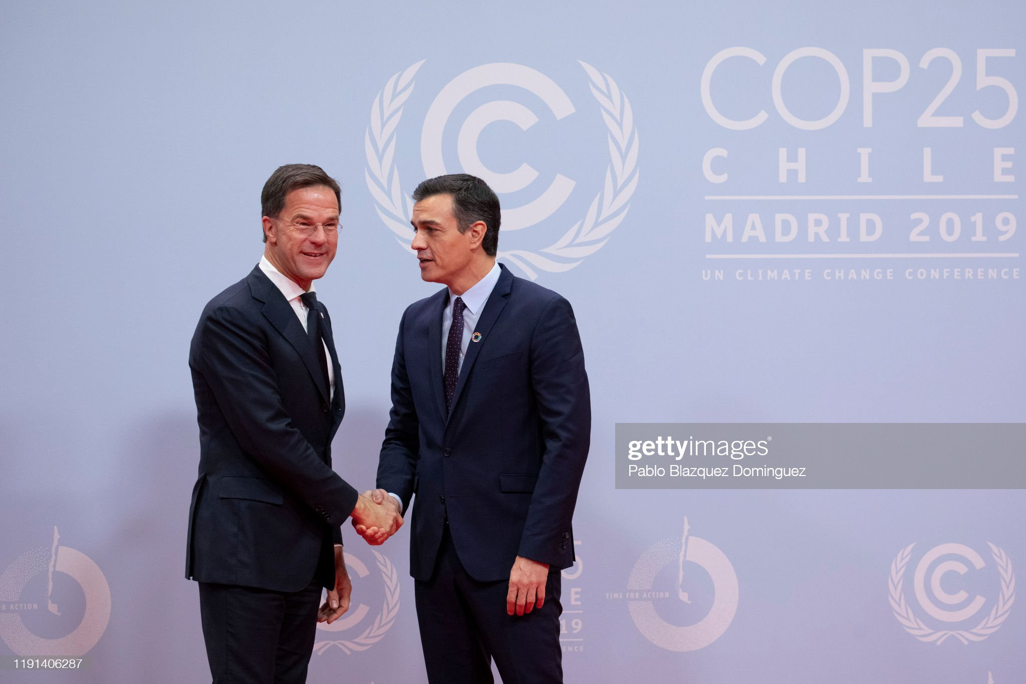 ¿Cuánto mide Mark Rutte? - Altura - Real height Mark-rutte-prime-minister-of-the-netherlands-is-greeted-by-spanish-picture-id1191406287?s=2048x2048
