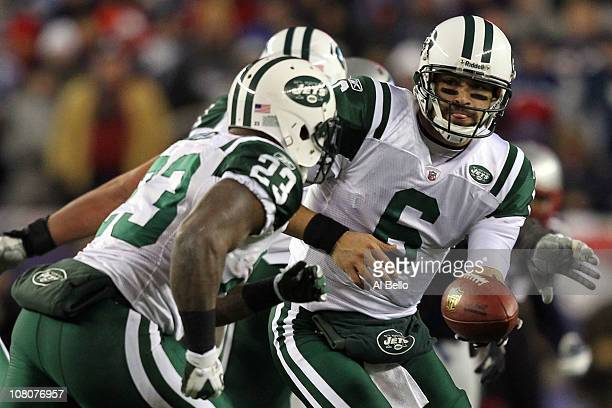 Mark Sanchez drops back with Shonn Greene of the New York Jets during their 2011 AFC divisional playoff game against the New England Patriots at...