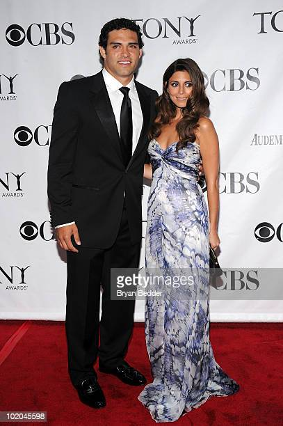 Mark Sanchez of the New York Jets and actress JamieLynn Sigler attend the 64th Annual Tony Awards at Radio City Music Hall on June 13 2010 in New...