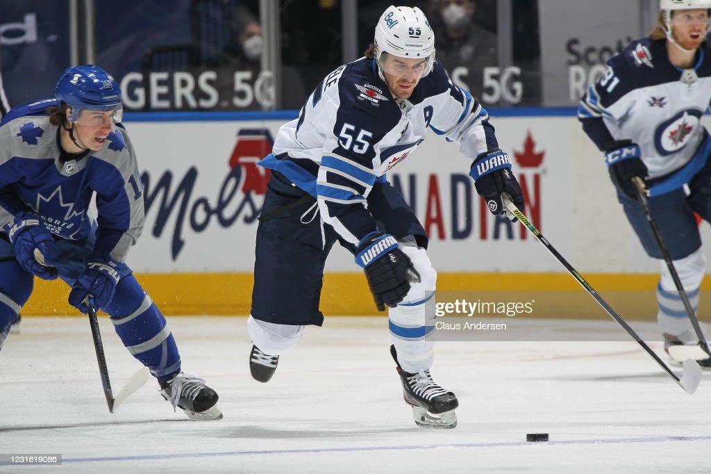Winnipeg Jets v Toronto Maple Leafs : News Photo