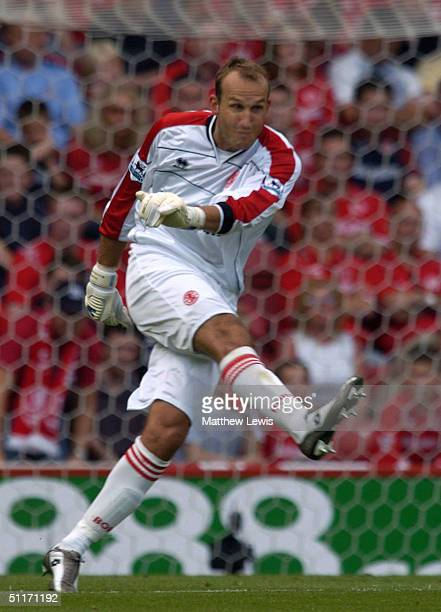 Mark Schwarzer of Middlesbrough in action during the Barclays Premiership match between Middlesbrough and Newcastle United at the Riverside Stadium...