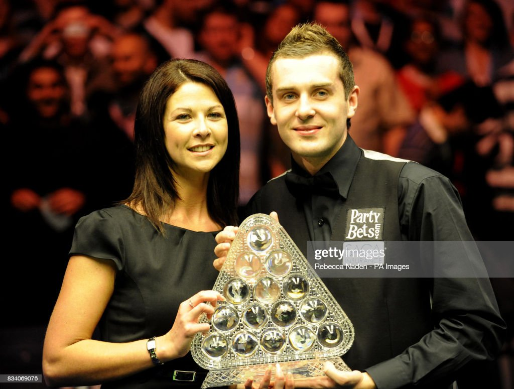 Mark Selby and girlfriend Vicky Layton with trophy after defeating ...