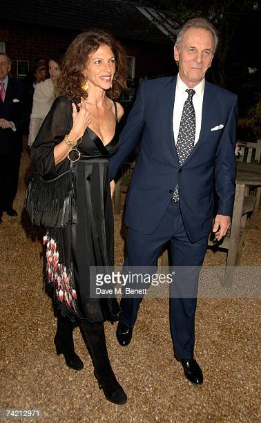 Mark Shand and wife Clio Goldsmith attend private dinner hosted by Cartier at the Chelsea Physic Garden on May 21 2007 in London England