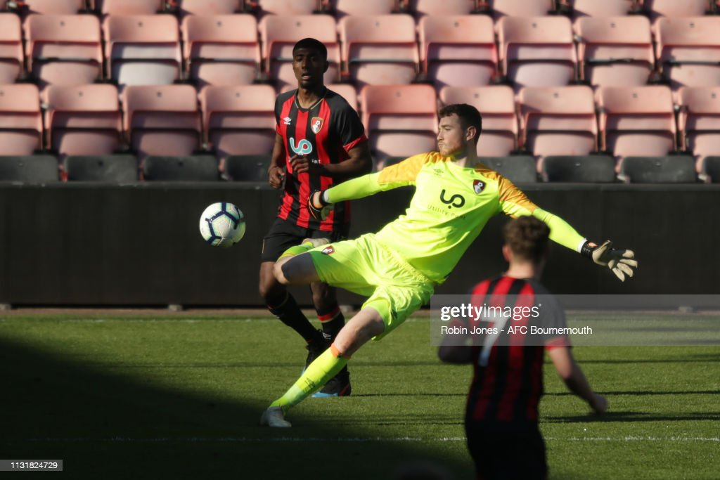 AFC Bournemouth U21 v Liverpool U21 - Premier League Cup : Photo d'actualité