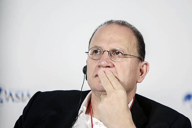 Mark Tucker Homme D Affaires Photos – Images de Mark Tucker