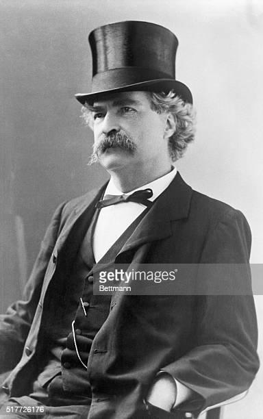 Mark Twain in tophat ca 1890