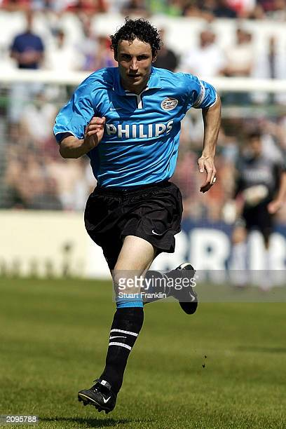 Mark Van Bommel of PSV Eindhoven in action during the Holland Casino Eredivisie match between FC Groningen and PSV Eindhoven held on May 29 2003 at...