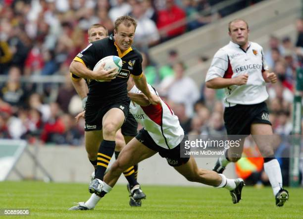 Mark Van Gisbergen of Wasps charges upfield to score a try during the Heineken Cup Final match between London Wasps and Stade Toulousain at...
