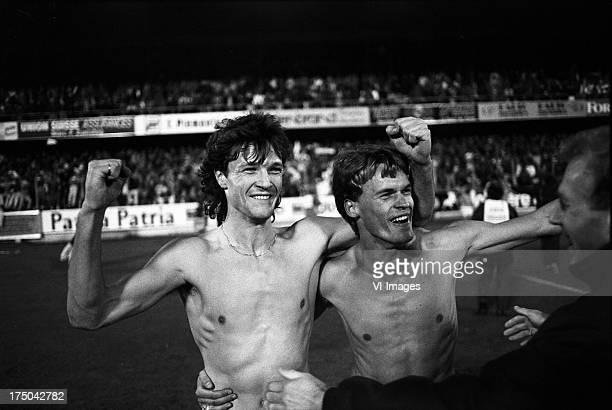 Mark Verkuyl Claus Boekweg during the Europa Cup 3 match between Xamax Neuchatel and FC Groningen on november 5 1986 in Neuchatel Switzerland