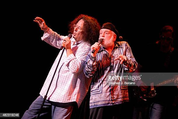 Mark Volman and Howard Kaylan of the Turtles performs during Hippifest in Vienna Virginia