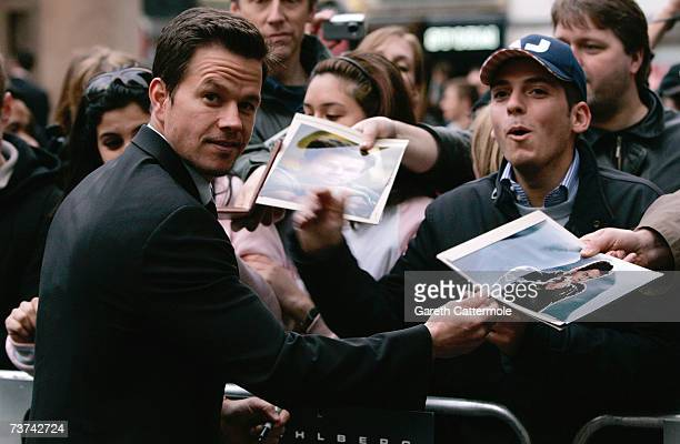 Mark Wahlberg arrives at the UK film premiere of Shooter at the Odeon West End, Leicester Square on March 29, 2007 in London.