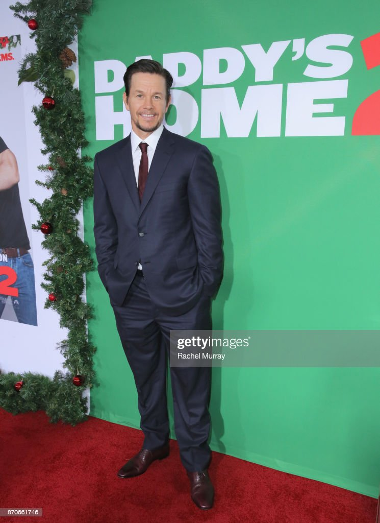 Mark Wahlberg attends the Los Angeles Premiere of 'Daddy's Home 2' at Regency Village Theatre on November 5, 2017 in Westwood, California.