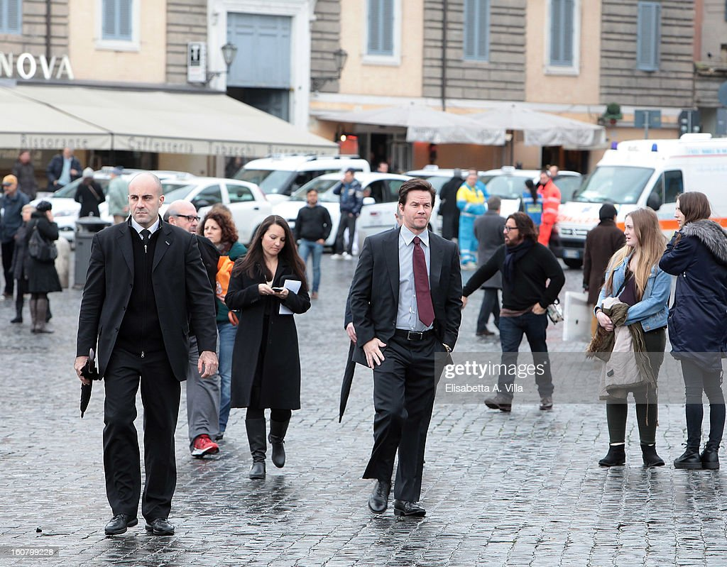 Mark Wahlberg walks in central Rome before 'Broken City' Photocall at Piazza Del Popolo on February 6, 2013 in Rome, Italy.