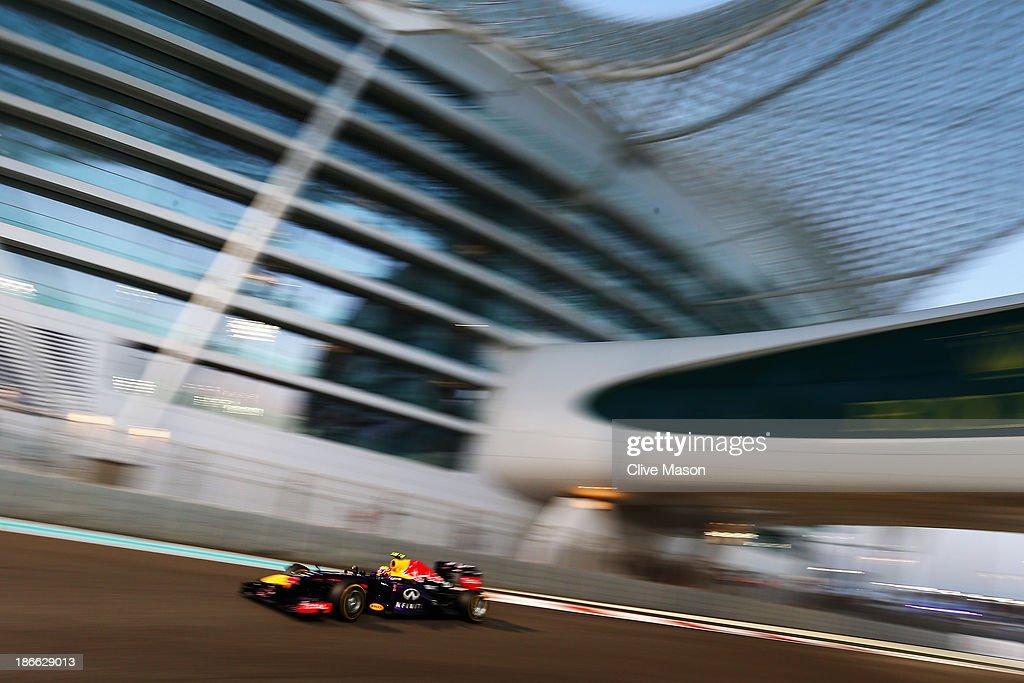 Mark Webber of Australia and Infiniti Red Bull Racing drives during qualifying for the Abu Dhabi Formula One Grand Prix at the Yas Marina Circuit on November 2, 2013 in Abu Dhabi, United Arab Emirates.