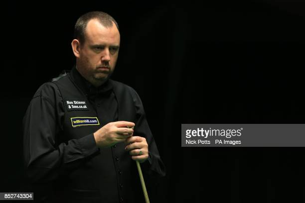Mark Williams during his win over Rory McLeod in the second round on day six of the williamhillcom UK Championships at The Barbican Centre York