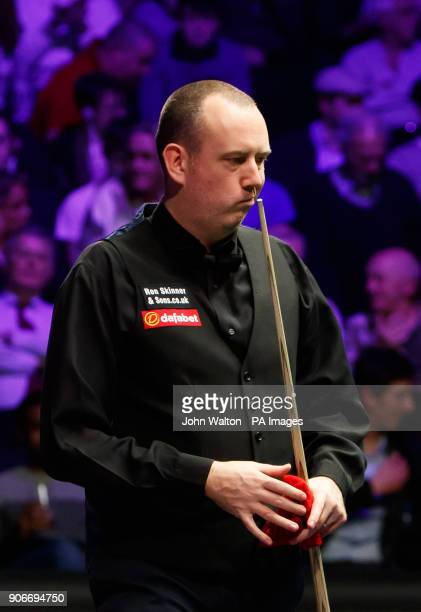 Mark Williams walks off for the mid session interval losing 40 to Kyren Wilson during day five of the 2018 Dafabet Masters at Alexandra Palace London...