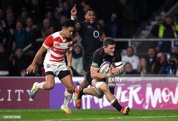 Mark Wilson of England breaks through to score during the Quilter International match between England and Japan at Twickenham Stadium on November 17...