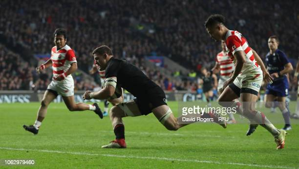 Mark Wilson of England dives to score a try during the Quilter International match between England and Japan on November 17 2018 in London United...